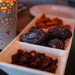 Muslims break fast over Ramadan with dates